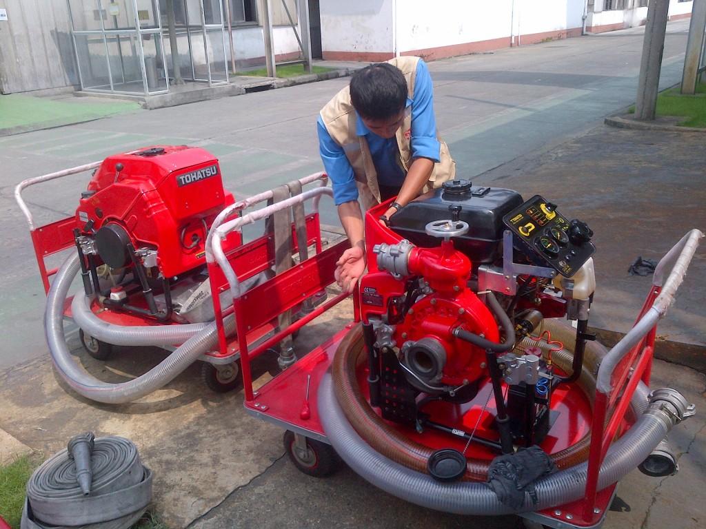 Các thao tác chuẩn bị vận hành máy bơm chữa cháy Tohatsu